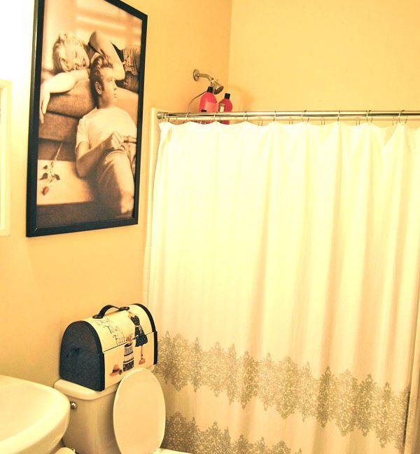 2215-1st-floor-camac-temple-u-off-campus-housing-bathroom-1
