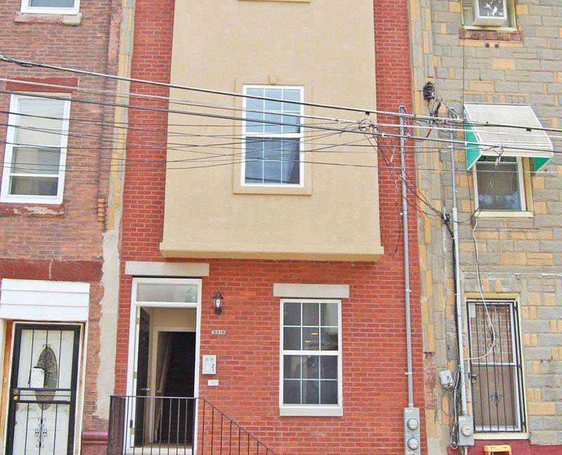 2215-1st-floor-camac-temple-u-off-campus-housing-exterior-front-1