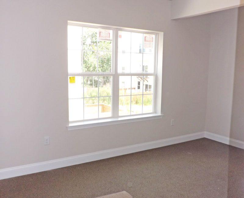 2215-2nd-floor-camac-temple-u-off-campus-housing-bedroom-3