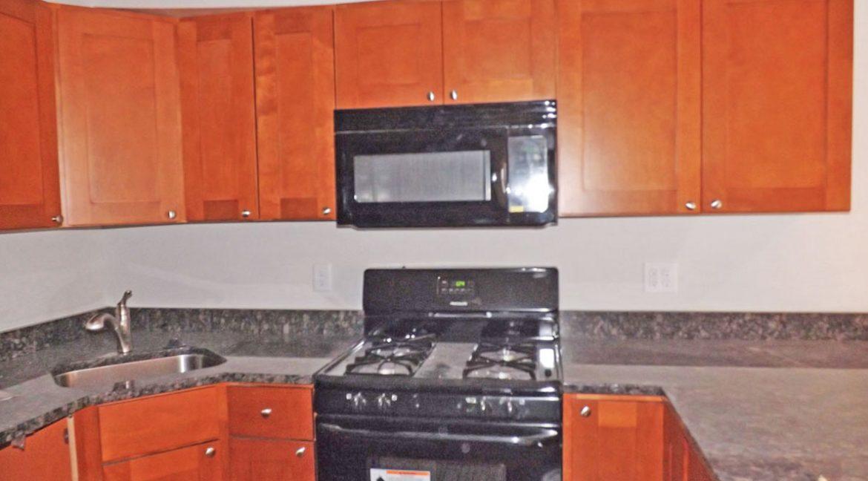 berks-street-temple-u-off-campus-housing-kitchen-1