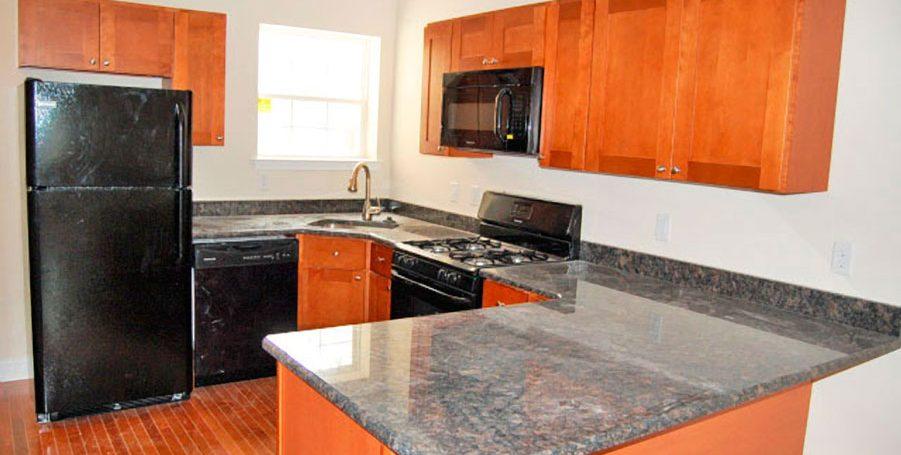 berks-street-temple-u-off-campus-housing-kitchen-2-900px