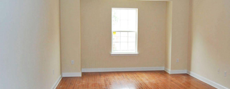 berks-street-temple-u-off-campus-housing-living-room-1