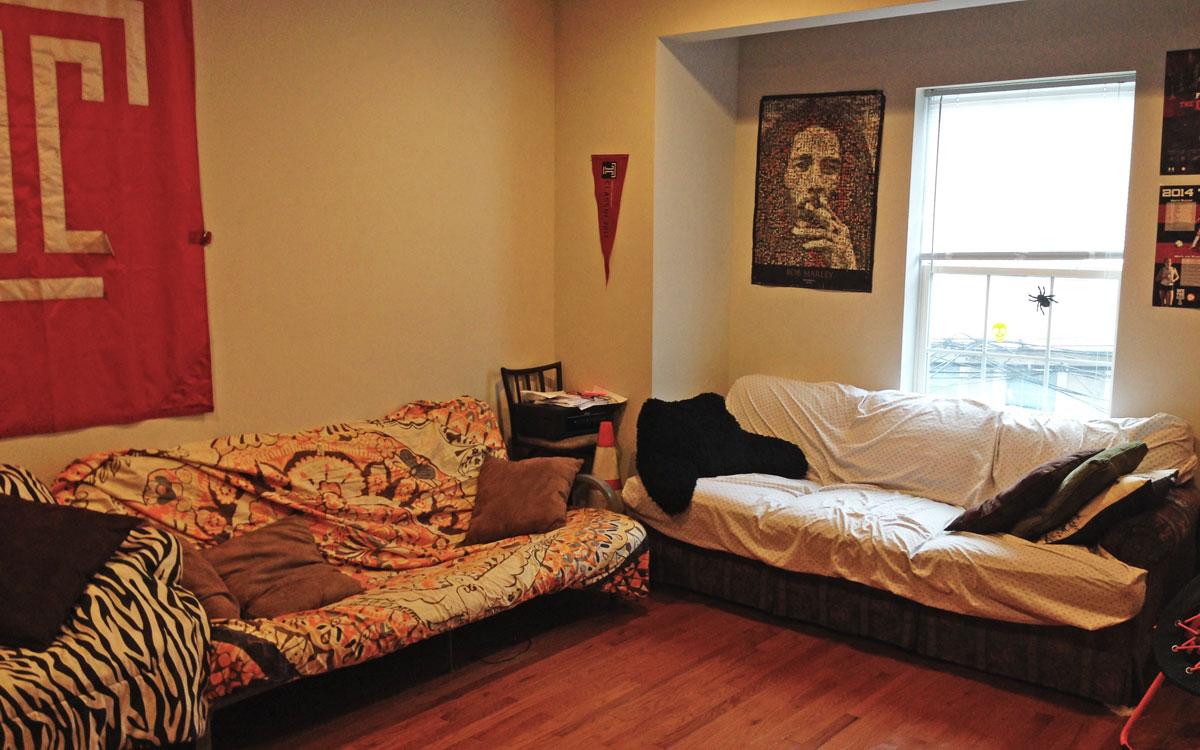 2215 N. Camac Street Student Apartment – 4 bedrooms 1st Floor